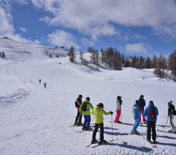 La Primavera è alle porte, di neve ne abbiamo ancora tanta! Venite a sciare in Vialattea!